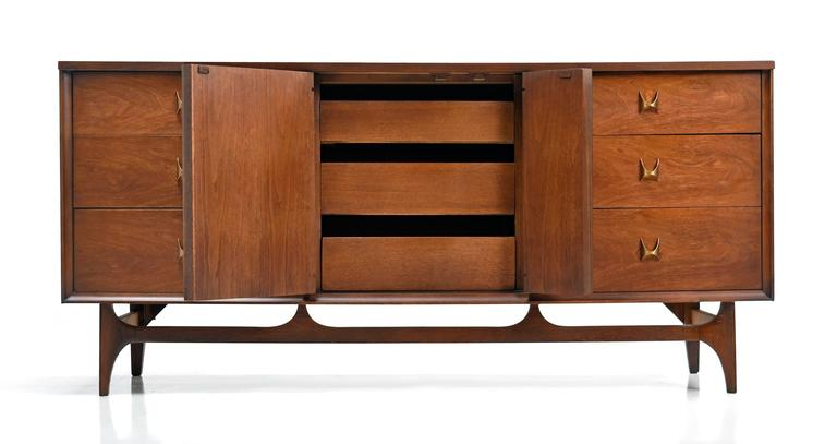 Mid century modern broyhill brasilia triple dresser 1960s for Broyhill american era bedroom furniture