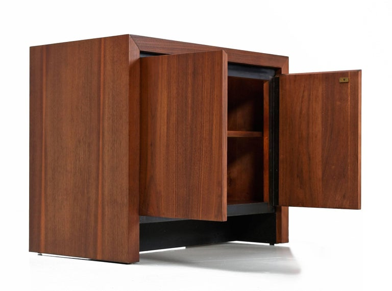 Mid-Century Modern Dillingham Esprit Walnut Commode Cabinet Nightstand, circa 1960s For Sale