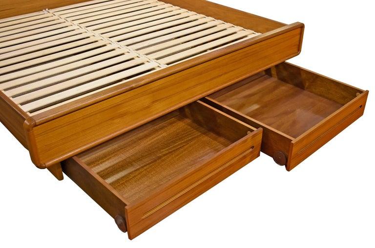 Scandinavian Modern King Teak Platform Bed With Nightstands For 1