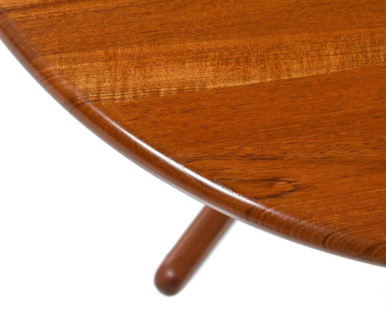 Late 20th Century Solid Danish Modern Teak Round Pedestal Coffee Table For Sale