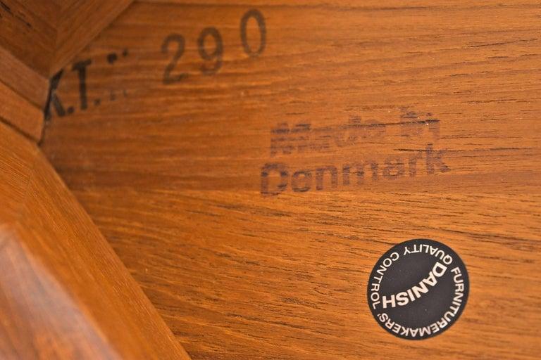 Solid Danish Modern Teak Round Pedestal Coffee Table For Sale 2