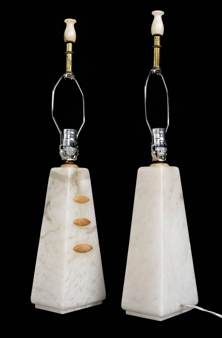 Mid-Century Modern Alabaster Pyramid Table Lamps and Finials, Art Deco to Modern Transitional Style For Sale