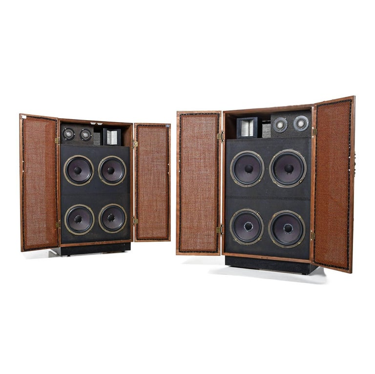 Massive Oak Cabinet Custom Made Speakers by Olson, 1960s For Sale 1