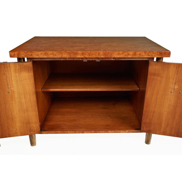 Late 20th Century Mastercraft Nightstand End Tables Hollywood Regency Burl Wood & Brass For Sale