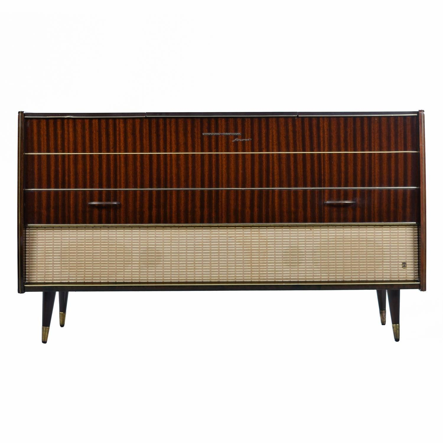 German Grundig Majestic Turntable Console Stereo Credenza, Fully Serviced  And Working For Sale