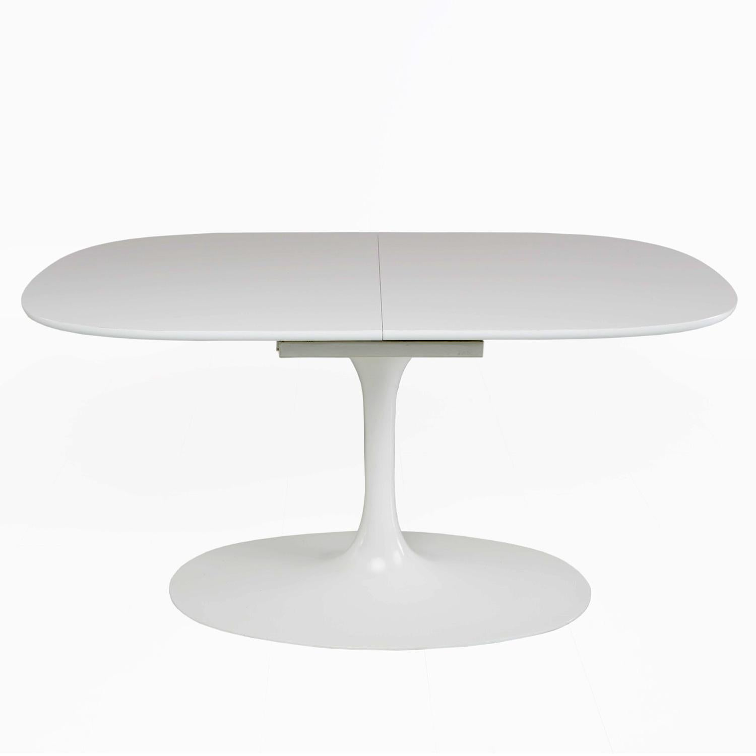 Saarinen Style Tulip Dining Set By Burke For Sale At 1stdibs