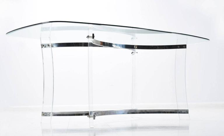 Mid-Century Modern Midcentury Hollywood Regency Acrylic Lucite Glass and Chrome Modern Dining Table For Sale
