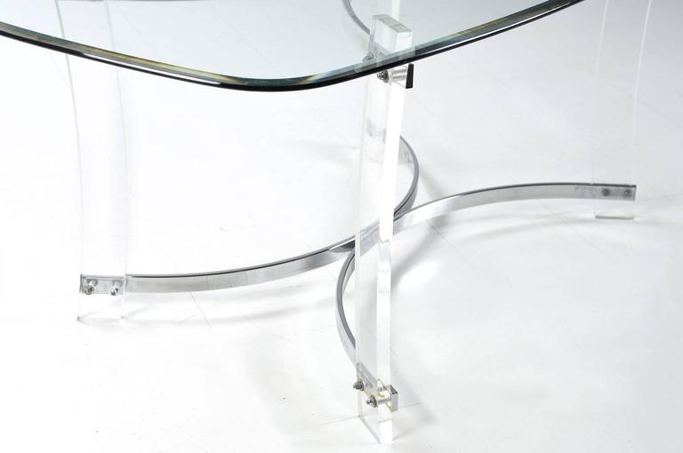 American Midcentury Hollywood Regency Acrylic Lucite Glass and Chrome Modern Dining Table For Sale