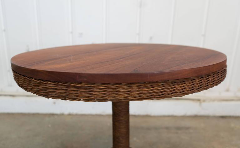 1900 American Wicker and Wood Pedestal Table In Good Condition For Sale In Los Angeles, CA