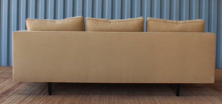 Mid-Century Modern 1950s Modern Sofa in the Manner of Edward Wormley For Sale