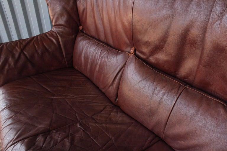 Gerard Van Den Berg Leather Loveseat, Netherlands In Excellent Condition For Sale In Los Angeles, CA