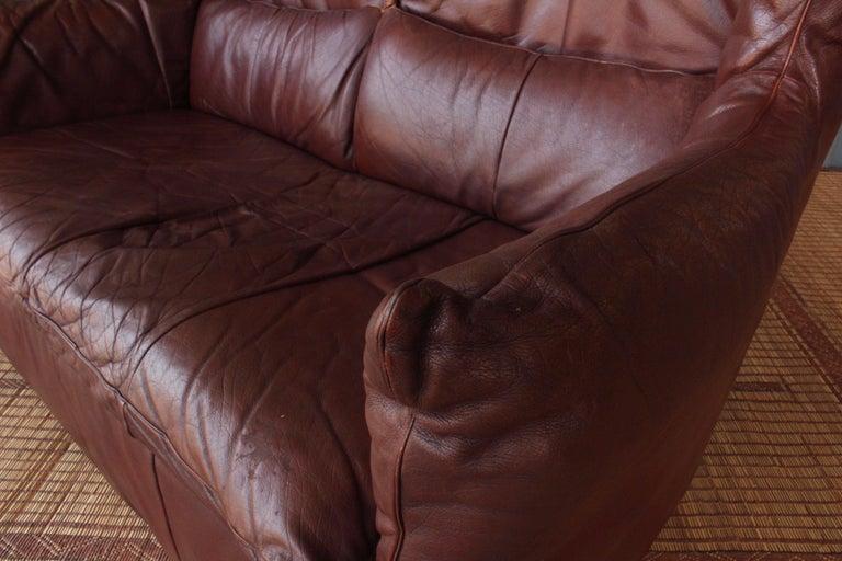 Late 20th Century Gerard Van Den Berg Leather Loveseat, Netherlands For Sale