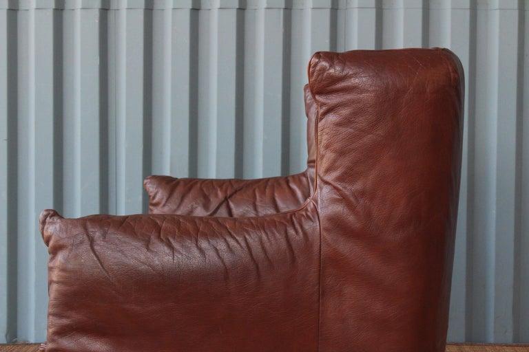 Gerard Van Den Berg Leather Loveseat, Netherlands For Sale 1