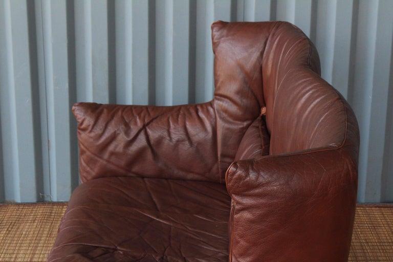 Gerard Van Den Berg Leather Loveseat, Netherlands For Sale 3