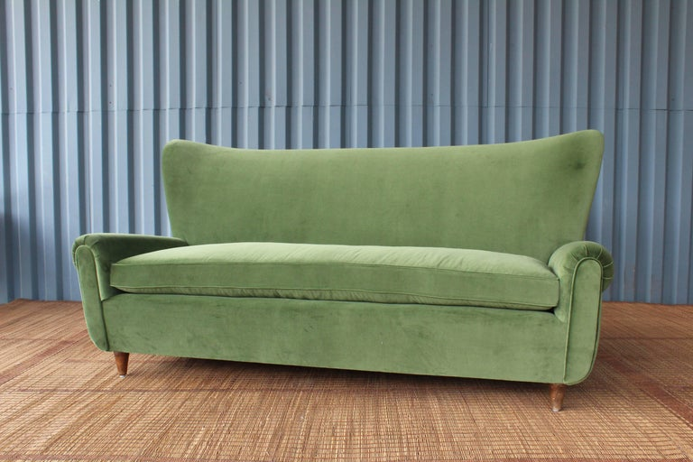 1950s Italian Wing Back Sofa In Excellent Condition For Sale In Los Angeles, CA