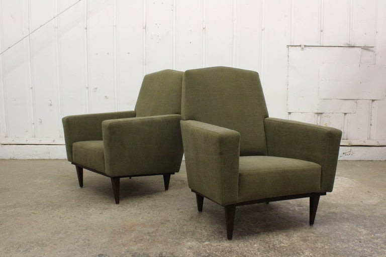 Pair of 1950s French Armchairs For Sale 2