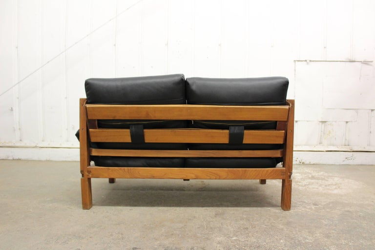 Pierre Chapo Loveseat in Solid Elm, France, 1960s In Good Condition For Sale In Los Angeles, CA