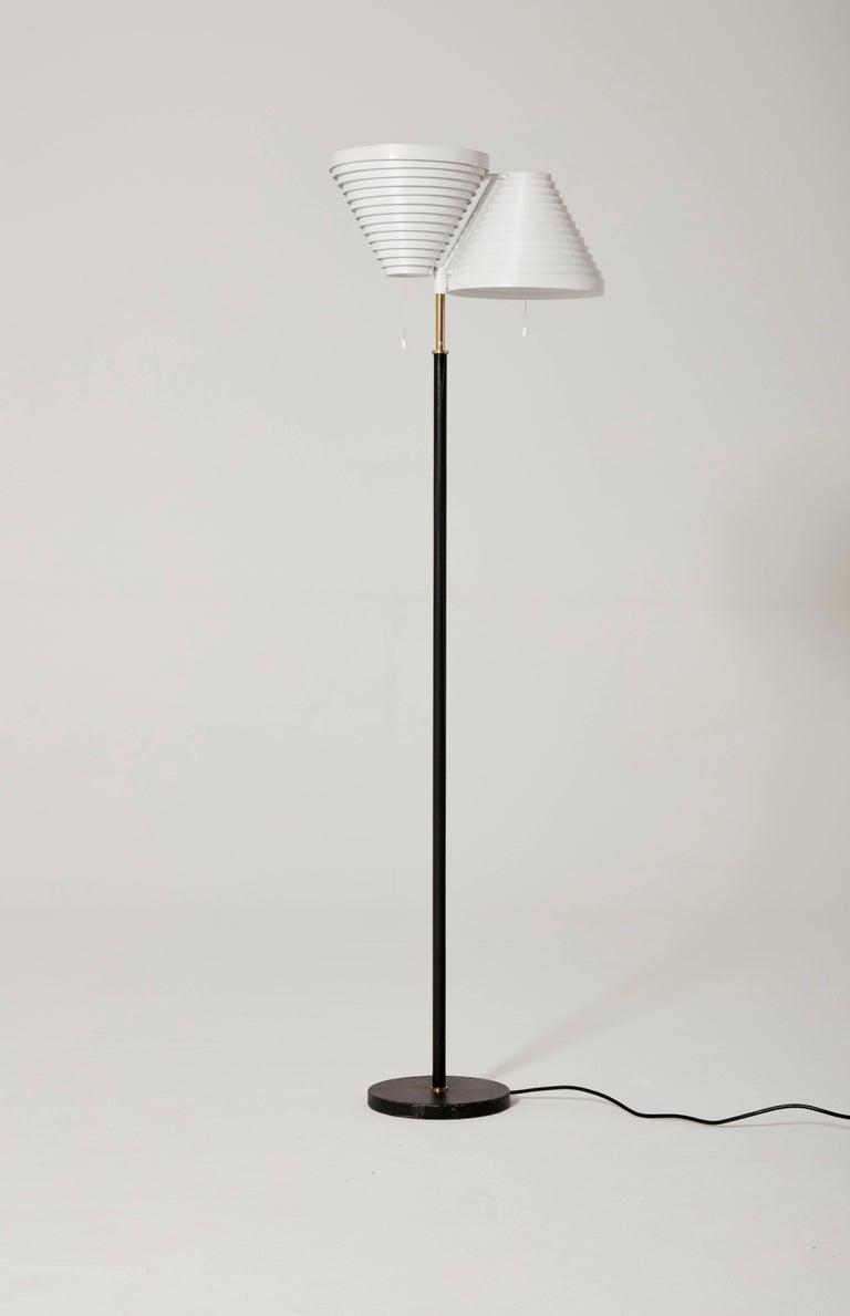 Finnish Alvar Aalto A810 Floor Lamp, Valaisinpaja Oy, Finland For Sale