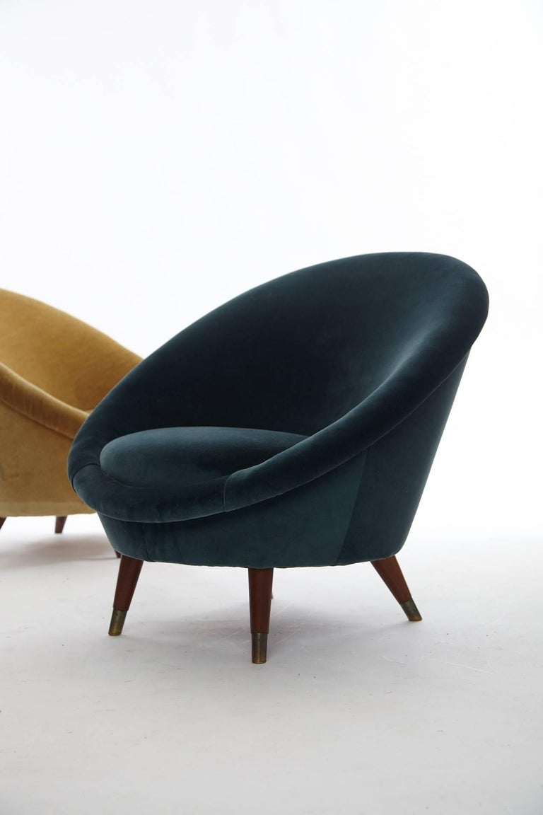 Mid-Century Modern Pair of 1950s Norwegian Egg Chairs For Sale
