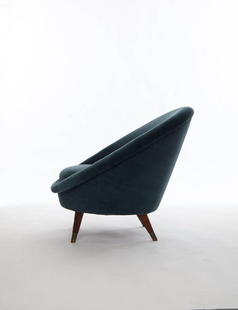 Velvet Pair of 1950s Norwegian Egg Chairs For Sale