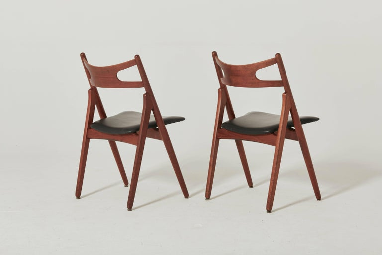 Mid-Century Modern Set of Six Hans Wegner CH-29 Sawbuck Dining Chairs, Carl Hansen, Denmark For Sale