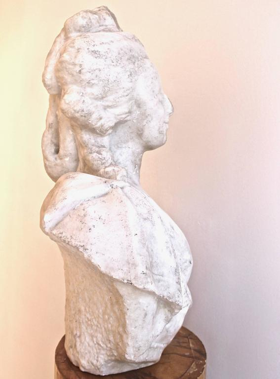 Beautiful 18th century marble bust of Marie-Antoinette, wear and losses consistent with age and use.