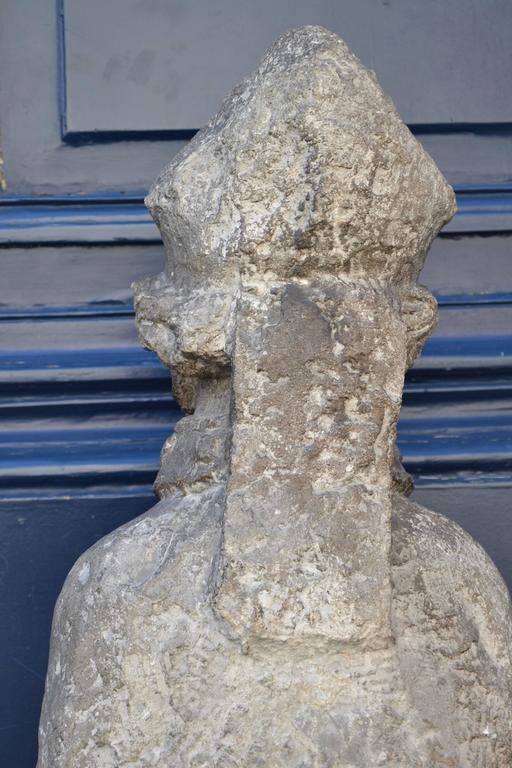 Beautiful 16th Century Statue of St. Nicholas in Carved Stone In Good Condition For Sale In Brussels, BE