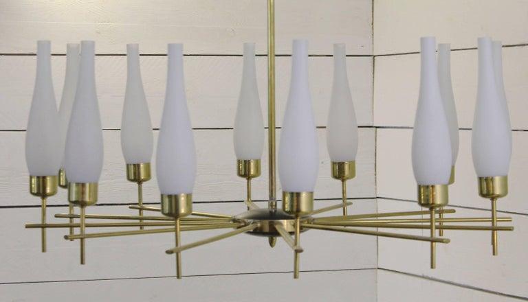 Mid-Century Modern 1960s Italian Chandelier in Brass and Opaline Glass For Sale