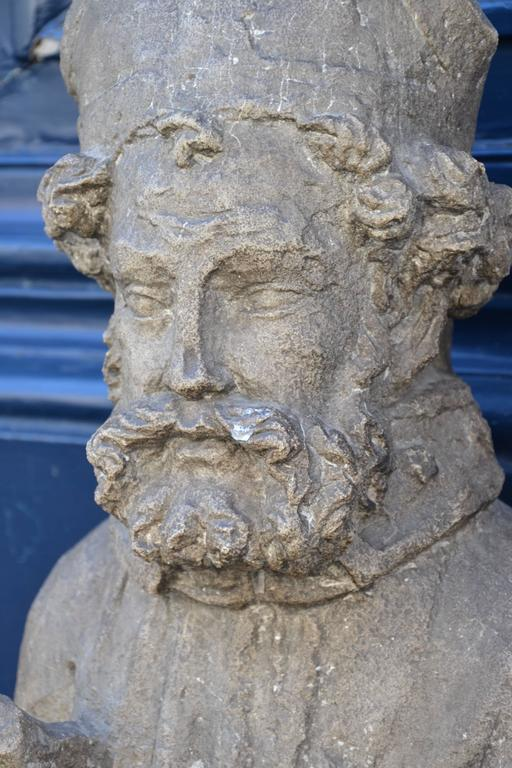 Beautiful 16th Century Statue of St. Nicholas in Carved Stone For Sale 3