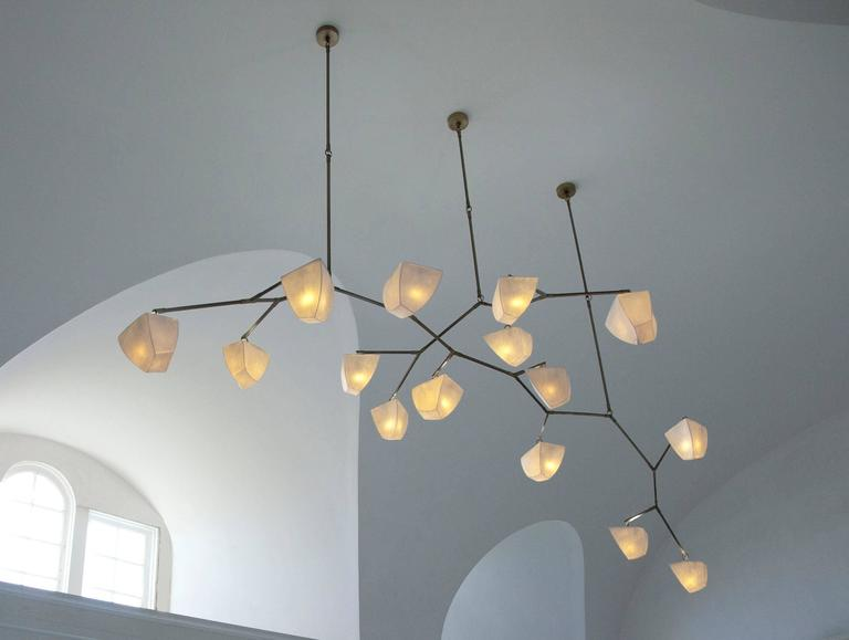 Cassiopeia 15 Porcelain and Brass Mobile Chandelier 2