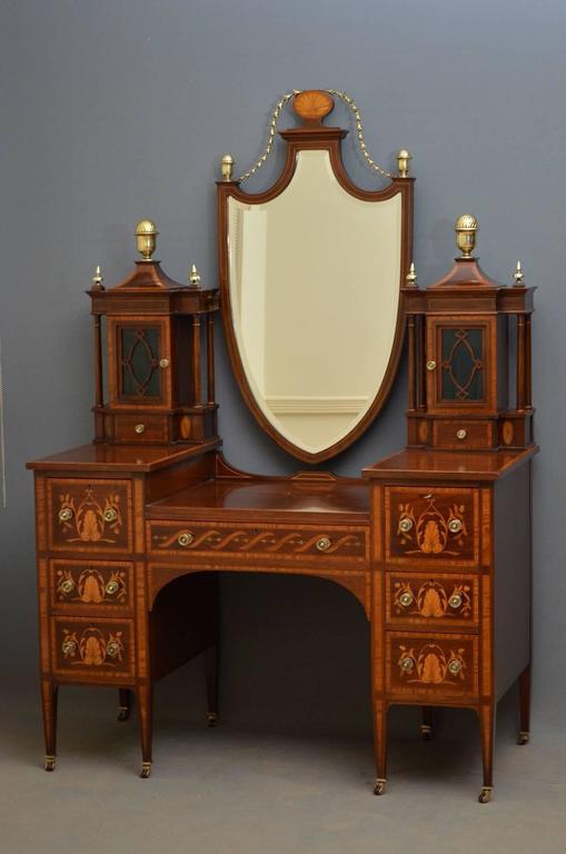 Gillows Mahogany And Inlaid Bedroom Set At 1stdibs
