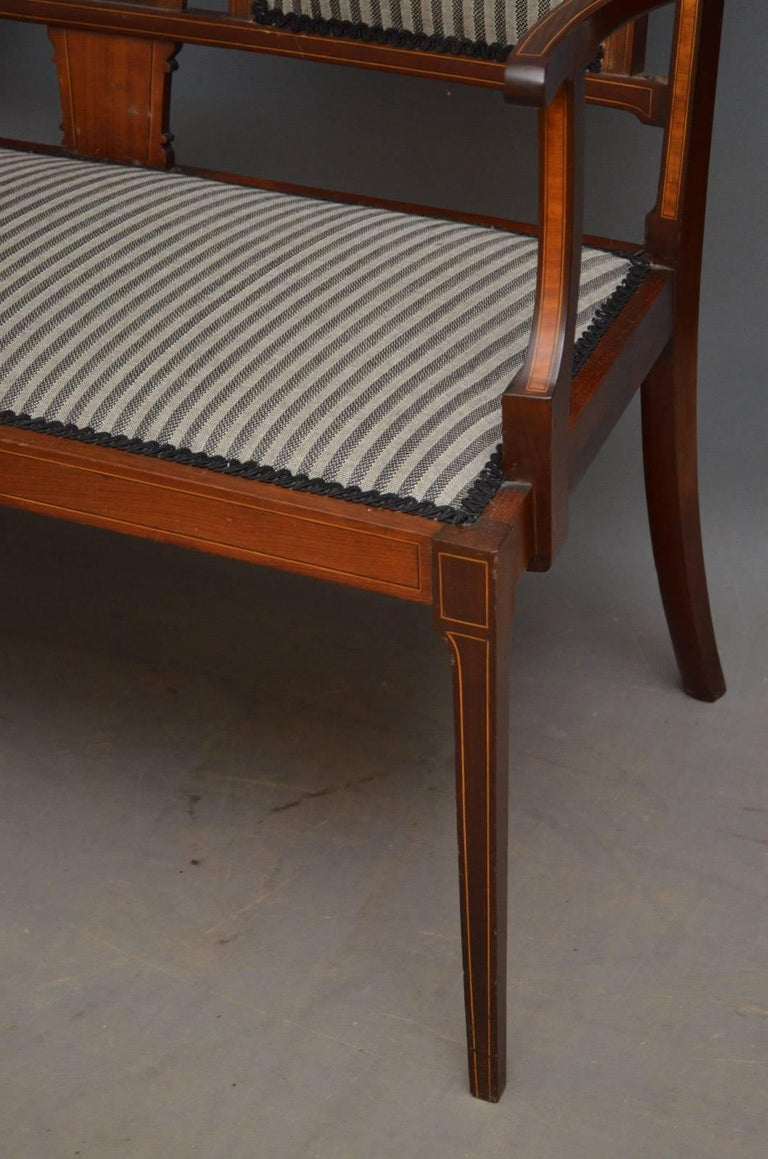 Edwardian Mahogany and Inlaid Settee For Sale 2