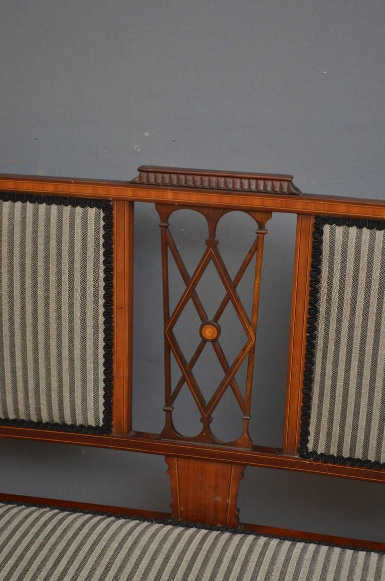 English Edwardian Mahogany and Inlaid Settee For Sale