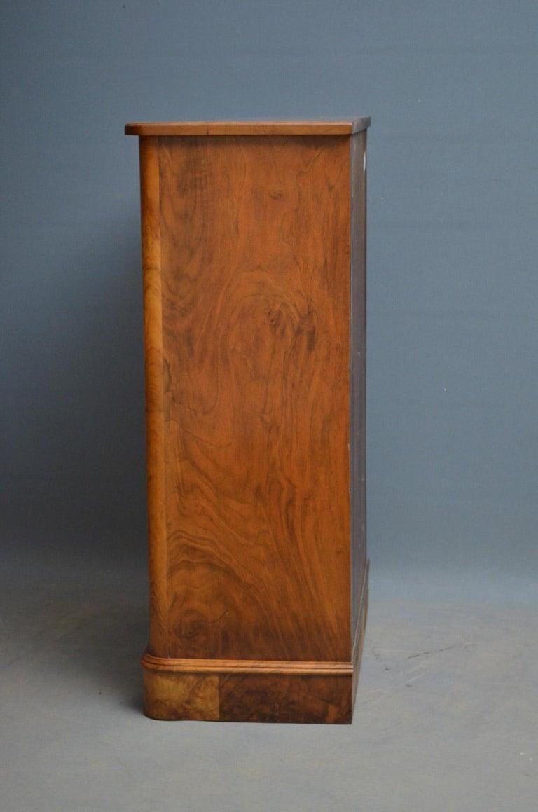 Elegant Victorian Burr Walnut Bookcase or Music Cabinet For Sale 1