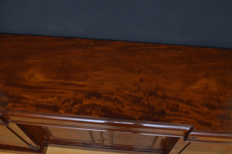 Superb Quality William IV Mahogany Sideboard In Good Condition For Sale In Whaley Bridge, GB