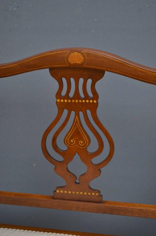 Great Britain (UK) Edwardian Mahogany Settee For Sale