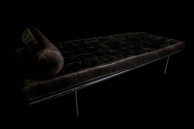 Leather Covetable 1962 Chrome Base Van Der Rohe Barcelona Daybed for Knoll, 20th Century For Sale