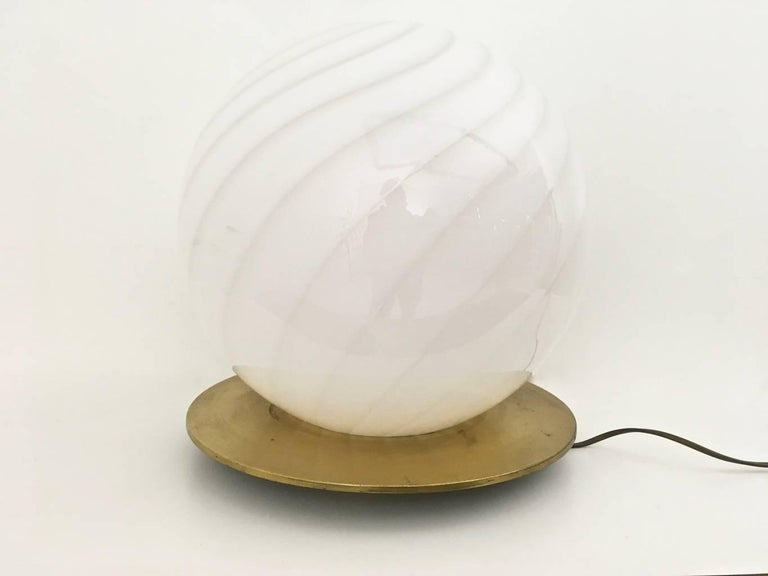 Italian Large Round Murano Glass Table Lamp by Venini, Italy, 1970s For Sale