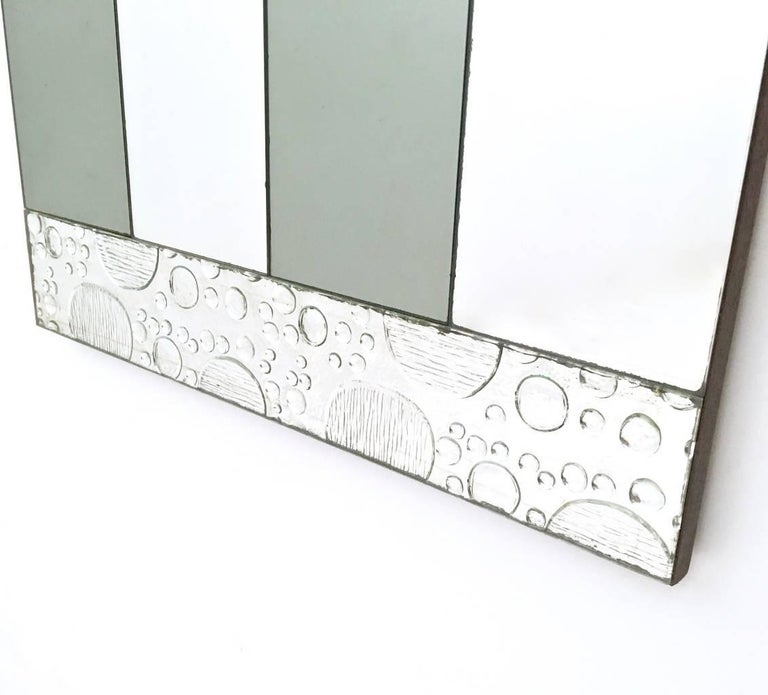 Pair of Striped Rectangular Wall Mirrors with Wooden Frame, Italy, 1970s In Excellent Condition For Sale In Bresso, Lombardy