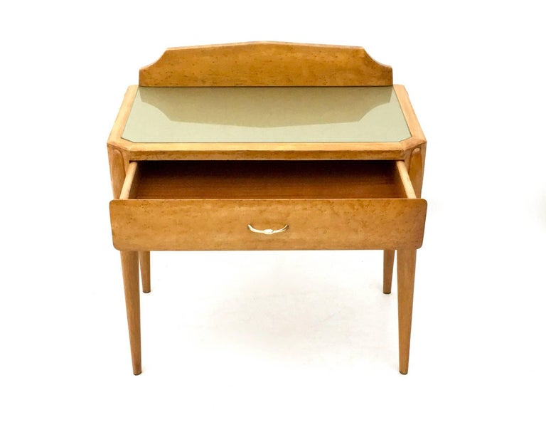 Pair of Birch and Beech Nightstands with a Glass Top, Italy, 1950s For Sale 2