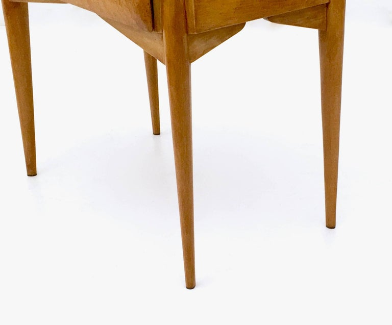 Pair of Birch and Beech Nightstands with a Glass Top, Italy, 1950s For Sale 7