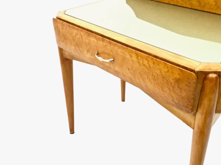 Pair of Birch and Beech Nightstands with a Glass Top, Italy, 1950s For Sale 5