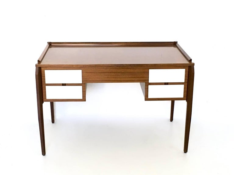 Mid-20th Century Pair of Mahogany Writing Desks in the Style of Gio Ponti, Italy, 1950s-1960s For Sale