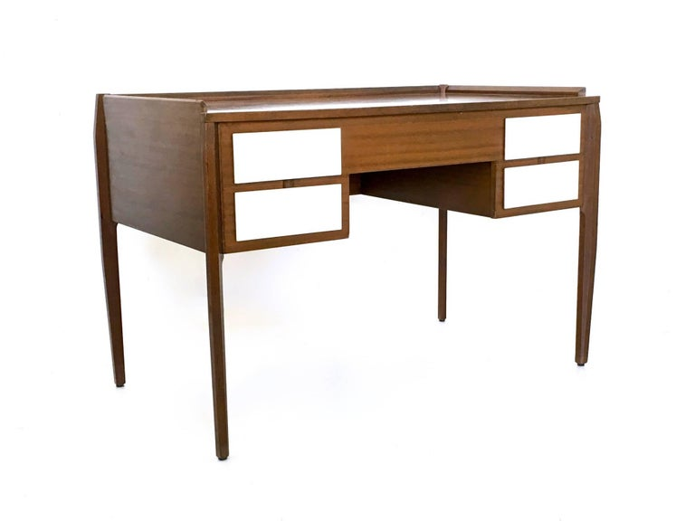Pair of Mahogany Writing Desks in the Style of Gio Ponti, Italy, 1950s-1960s For Sale 1