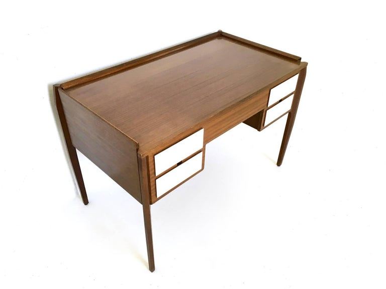 Pair of Mahogany Writing Desks in the Style of Gio Ponti, Italy, 1950s-1960s For Sale 3