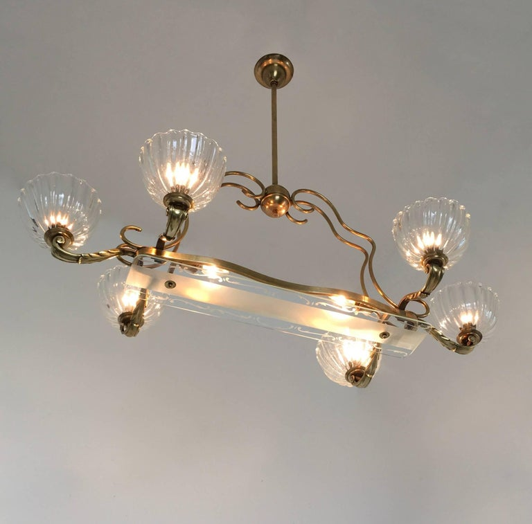 Large Blown Glass and Brass Chandelier by Ercole Barovier, Italy, 1940s In Excellent Condition For Sale In Bresso, Lombardy