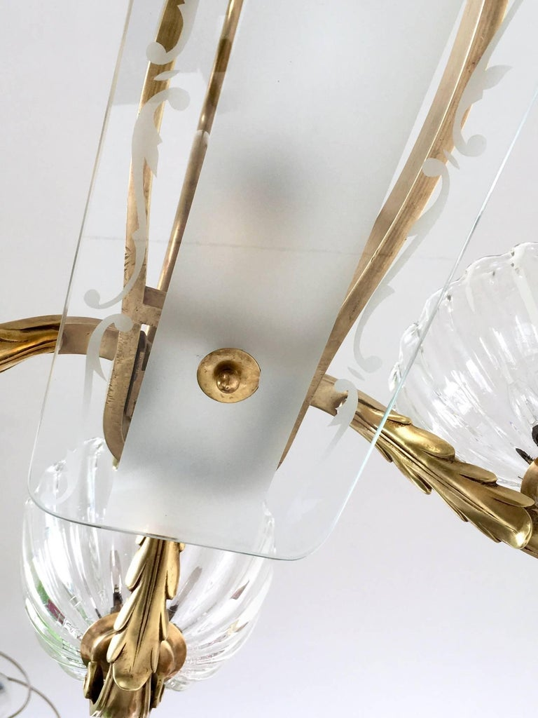Large Blown Glass and Brass Chandelier by Ercole Barovier, Italy, 1940s For Sale 3