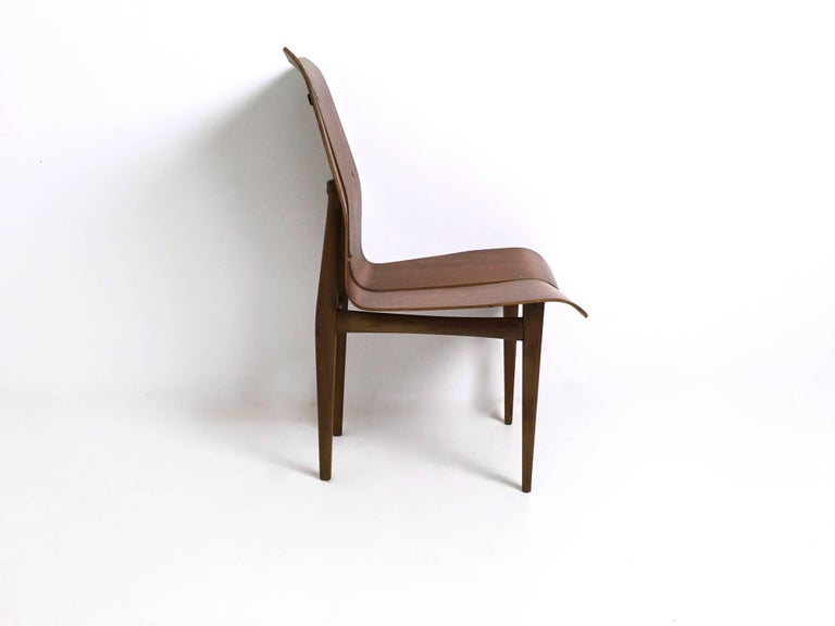 Mid-20th Century Set of Six Curved Wood Dining Chairs in the style of Tapiovaara, 1950s For Sale