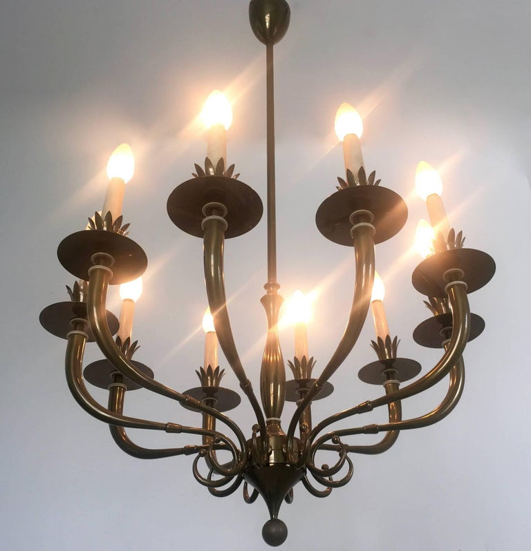 Wood Ten-Arm Brass Chandelier Attributed to Gio Ponti and Emilio Lancia, Italy, 1940s For Sale