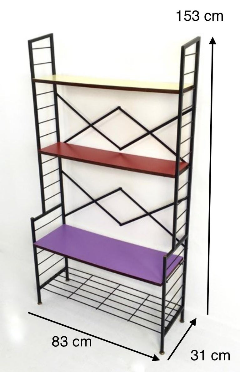 Iron Ètagerè with Wooden Shelves, Italy, 1960s In Excellent Condition For Sale In Bresso, Lombardy